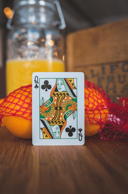 Squeezers Playing Cards by RIFFLE SHUFFLE CARDISTRY - JP
